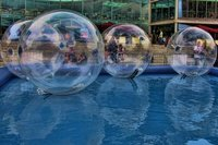Water Walkerz / water balls